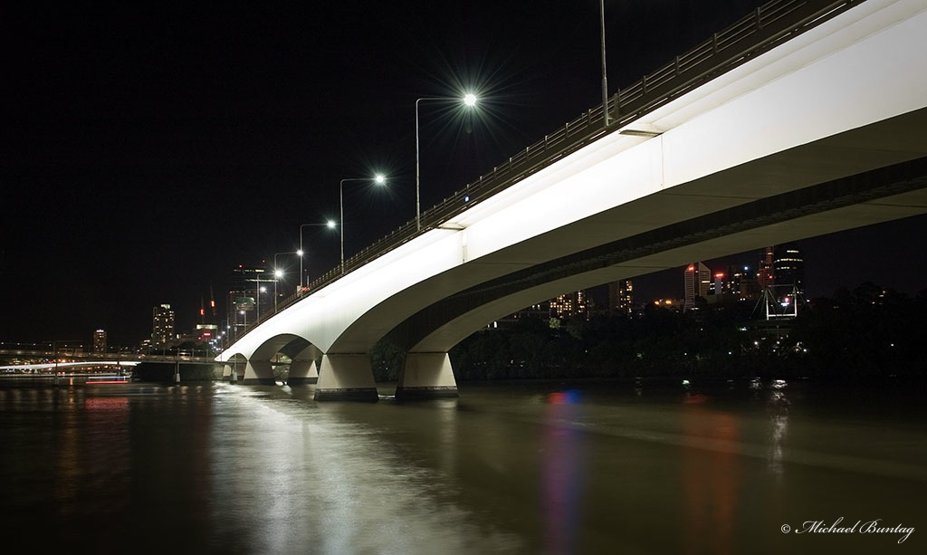 Captain Cook Bridge and Brisbane River from South Bank/Kangaroo Point Cliffs