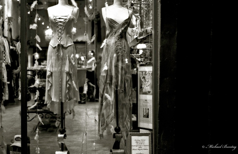 Store Window, (3rd) Third Street Promenade, Santa Monica, Los Angeles, California. Fujifilm Neopan 1600 35 mm BW film.