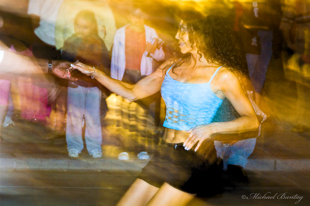 Salsa Dancer, 3rd (Third) Street Promenade, Santa Monica, Los Angeles, California