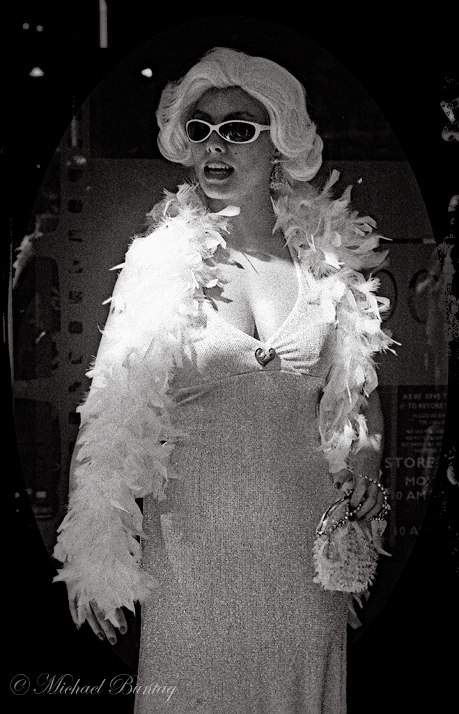 Marilyn Monroe Cosplay, Grauman's Chinese Theatre, Hollywood, Los Angeles, California. Ilford Delta 3200 35mm BW film