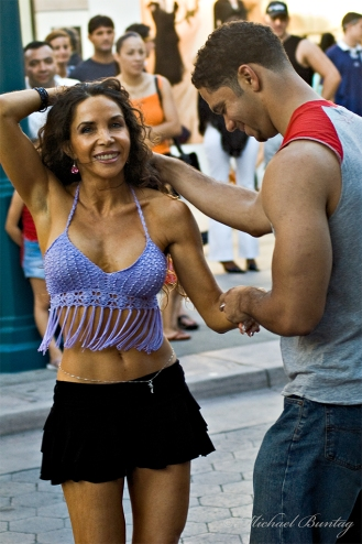 Salsa Dancers, 3rd Third Street Promenade, Santa Monica, Los Angeles, California