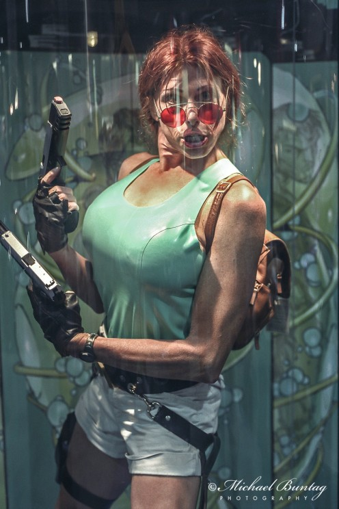 Lara Croft Tomb Raider Cosplayers, Comic-Con International, San Diego Convention Center, Marina District, San Diego, California. Fujifilm NPZ800 color negative 35mm film.