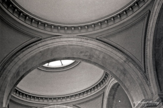 The Great Hall, Metropolitan Museum of Art, Manhattan, New York, New York. Ilford HP5+ BW negative 35mm film.