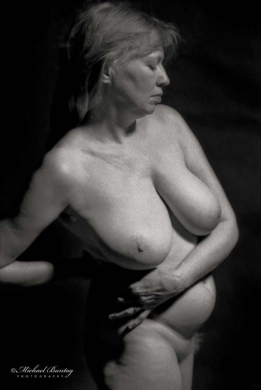 Nude Studio Session, Maryland Institute College of Art, Bolton Hill, Baltimore, Maryland. Kodak Tri-X 400 35mm BW negative film.